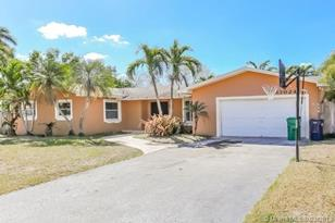 13024 SW 114th Ct - Photo 1