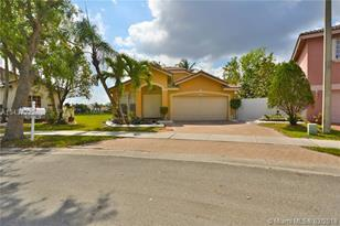 193 SW 204th Ave - Photo 1
