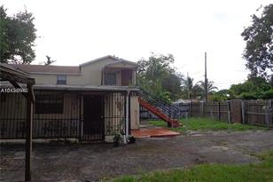 3108 NW 29th St - Photo 1