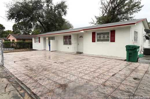 2120 NW 93rd St - Photo 2
