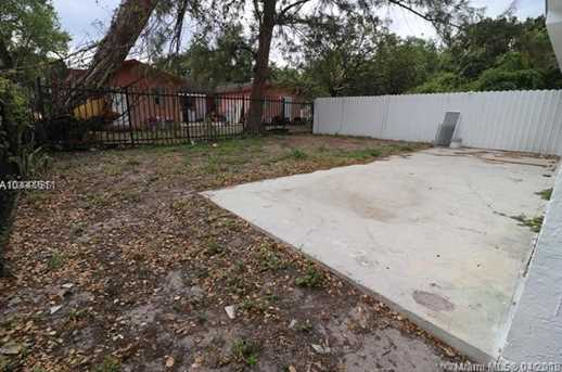 2120 NW 93rd St - Photo 4