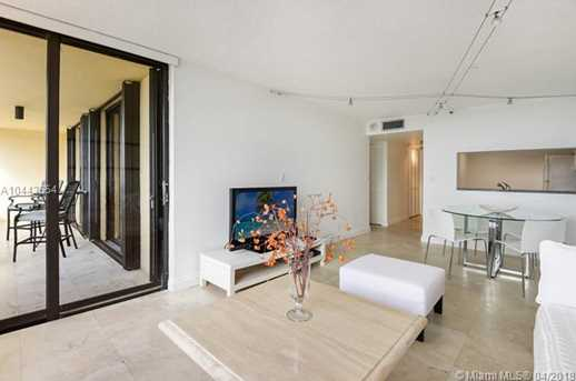 2555 Collins Ave #1708 - Photo 4