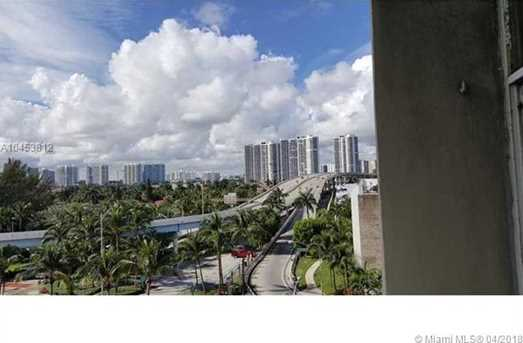 19201 Collins Ave #540 - Photo 10