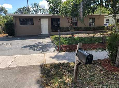 540 NW 30th Ave - Photo 2