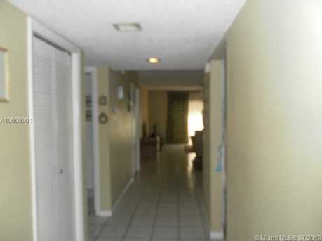 415 Lakeview Dr #102 - Photo 2