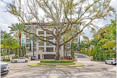 3535 Hiawatha Ave #504, Miami, FL 33133