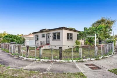 2830 NW 11th St - Photo 1