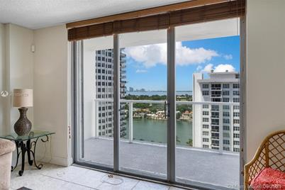 5701 Collins Ave #1511 - Photo 1