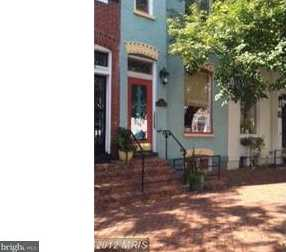 423 Washington Street S - Photo 1