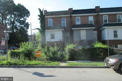 4001 Garrison Avenue W - Photo 1