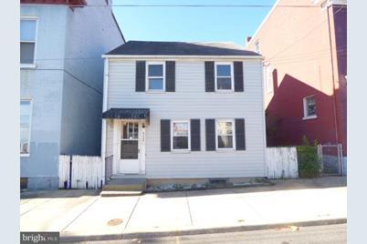 605 Franklin Street - Photo 1