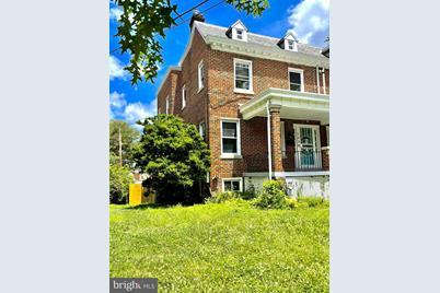 1338 Taylor Street NE - Photo 1