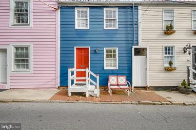 38 Pinkney Street - Photo 1