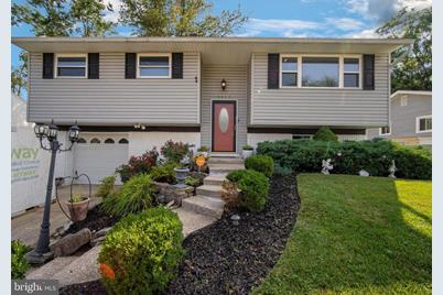 8813 Meadow Heights Road - Photo 1
