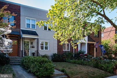 533 E Luray Avenue - Photo 1
