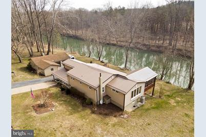 8415 Capon River Road, Yellow Spring, WV 26865