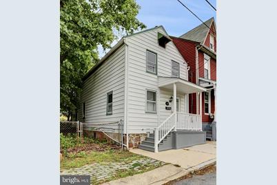 333 N Pine Street - Photo 1