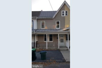 222 E Mifflin Street - Photo 1