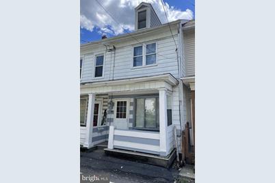 414 W Penn Street - Photo 1
