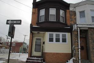 1058 Everett Street - Photo 1