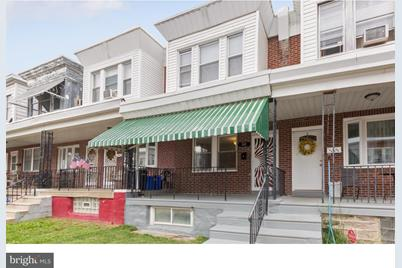 145 Roselyn Street - Photo 1