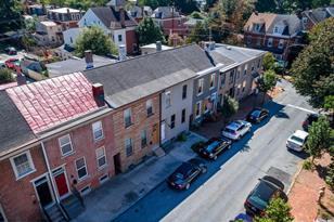 138 W Union Street - Photo 1
