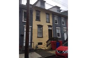 109 N Warren Street - Photo 1