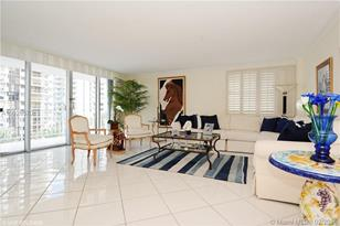 5750 Collins Ave #6A - Photo 1