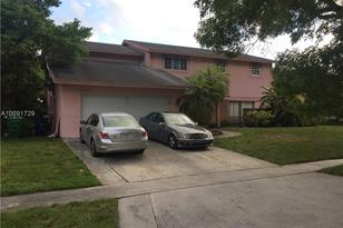6780 NW 45th St - Photo 1