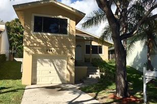 9985 SW 218th Ter - Photo 1