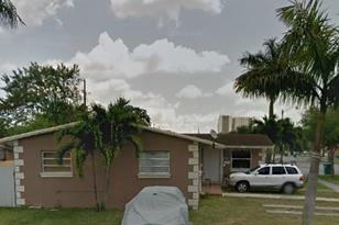 685 SW 113th Ave - Photo 1