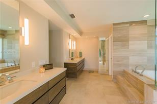 7900 SW 129th Ter - Photo 1