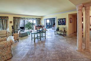 10205 Collins Ave #505 - Photo 1