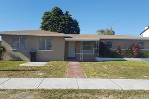 10945 SW 220th St - Photo 1