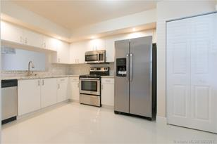 550 SW 137th Ave #110L - Photo 1