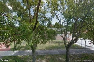 3950 NW 3rd St - Photo 1