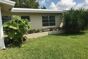 7103 NW 57th Ct - Photo 1