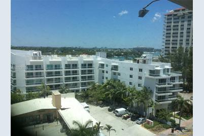 6345 Collins Ave 916