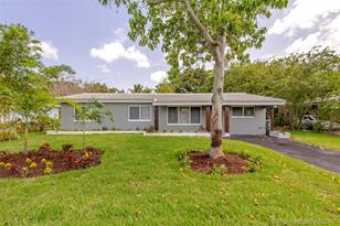 140 NW 35th Ct - Photo 1
