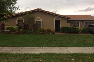 8110 SW 129th Ave - Photo 1