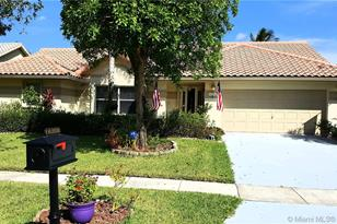 16208 NW 15 St - Photo 1