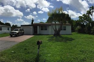 14545 NW 12th Ave - Photo 1