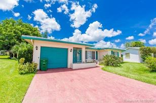 5007 NW 58th St - Photo 1
