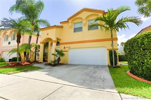15516 NW 12th Ct - Photo 1