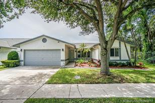5883 NW 40th Ave - Photo 1