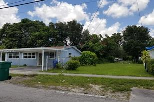 2991 NW 43rd Ter - Photo 1