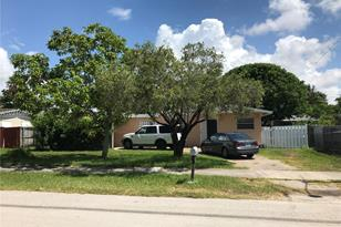9945 SW 213th Ter - Photo 1