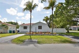 3125 SW 69th Ave - Photo 1