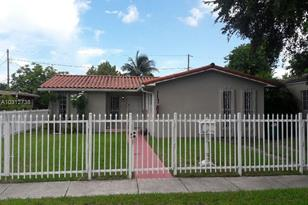 6720 SW 32nd Ter - Photo 1