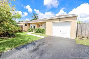 12572 SW 144th Ter - Photo 1